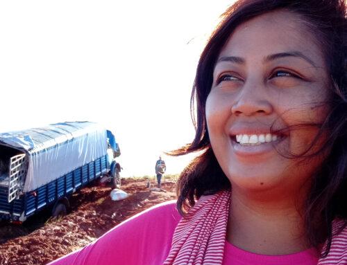 Portrait de Joan Razafimaharo, architecte malgache engagée